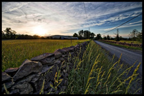 Western Loudoun's historic dirt road known as Foggy Bottom Road outside of the Village of Bluemont. (Photo by Douglas Graham/WLP)